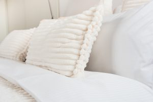Schlafzimmer Phönix aus der Asche   by andy - for better moods