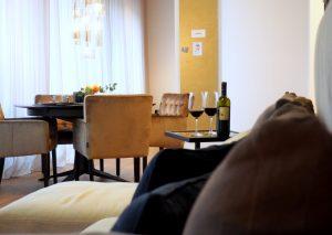Essbereich der Interims-Wohnung   by andy for better moods