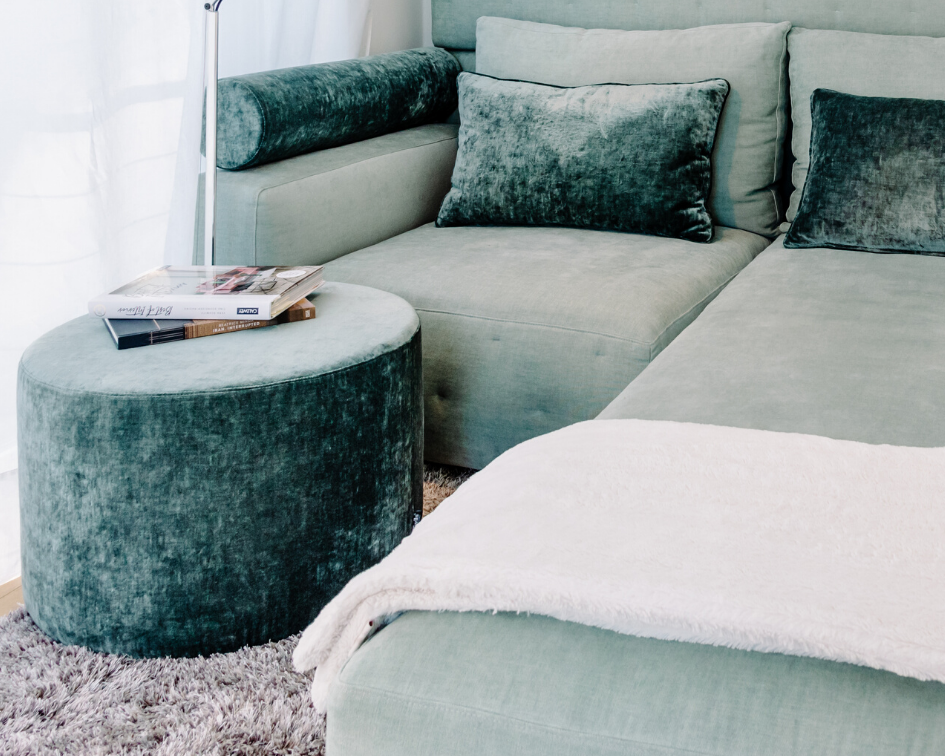 Showroom: Chill-out-Bereich und Tischdekoration |by andy - for better moods